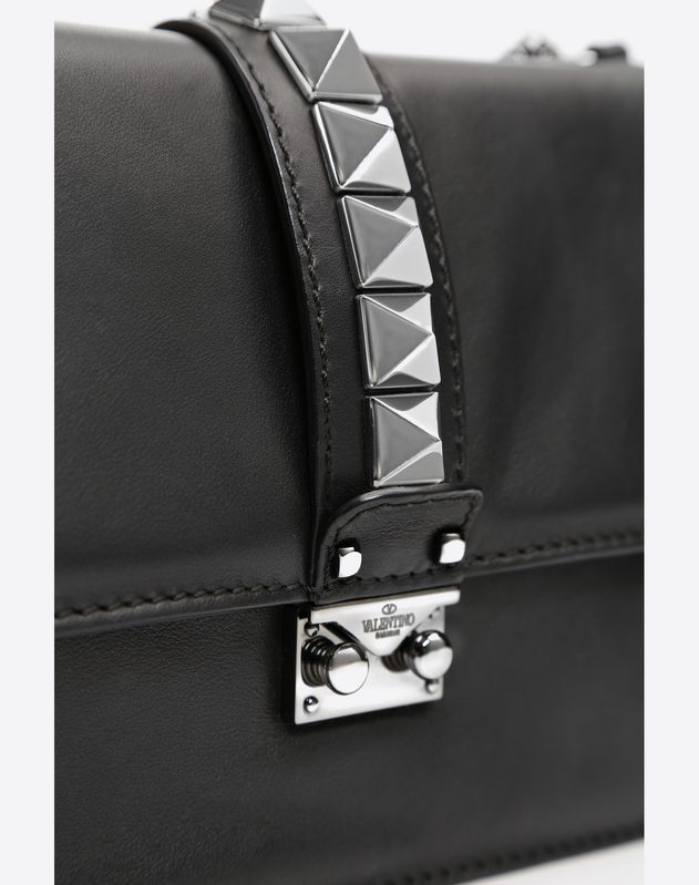 Medium Noir Lock Shoulder Bag