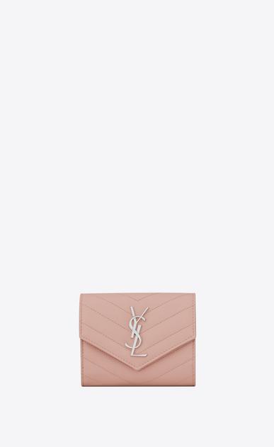SAINT LAURENT Monogram Matelassé Damen kompaktes, dreifaches saint laurent portemonnaie aus hellrosa matelassé-leder mit struktur a_V4