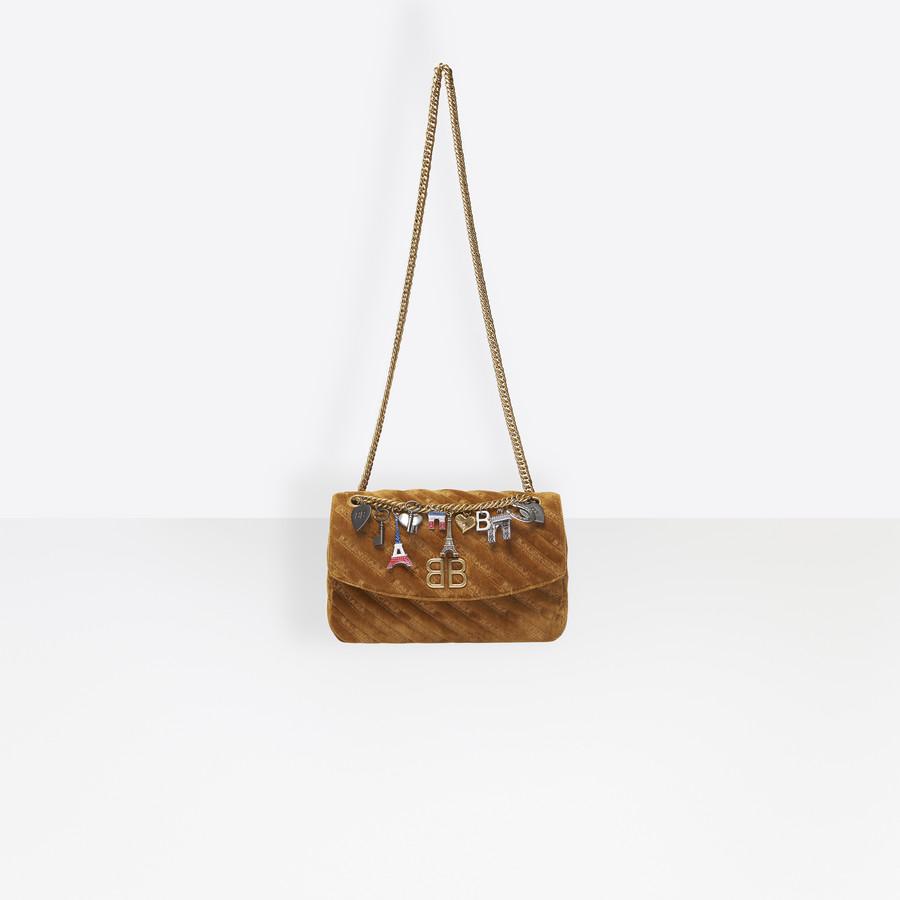 BALENCIAGA BB Round M Charms BB Handbags Woman a