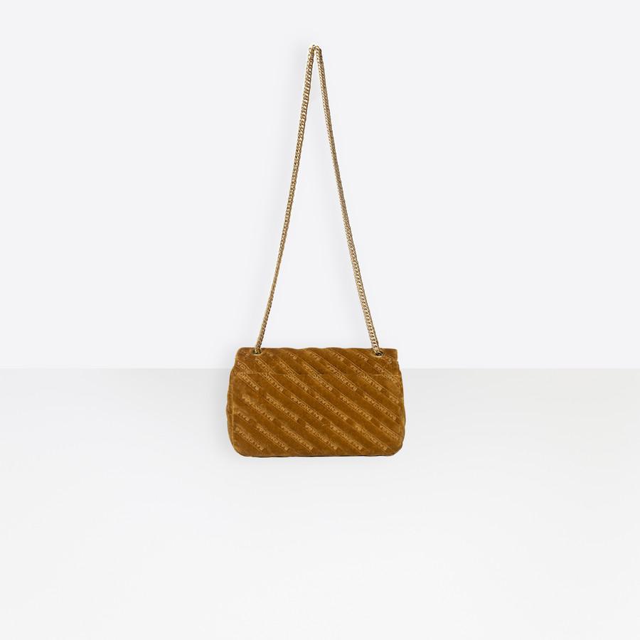 BALENCIAGA BB Round M Charms BB Handbags Woman d