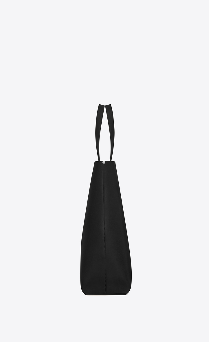 Zoom  BOLD shopping bag in vintage leather with perforated logo, Different  angle view 582166f284