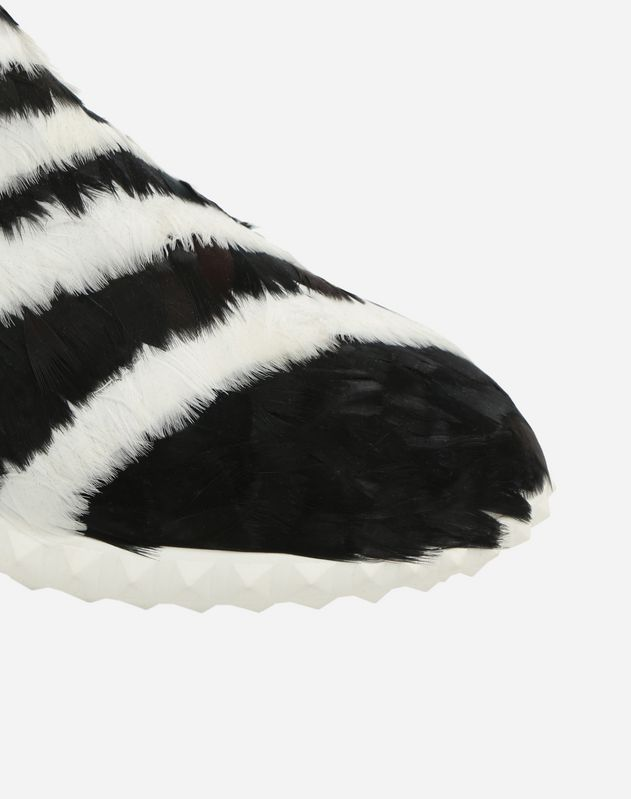 Sneaker with Feathers