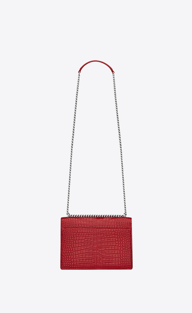 SAINT LAURENT Sunset Femme Sac Medium SUNSET en cuir rouge brillant embossé façon crocodile b_V4