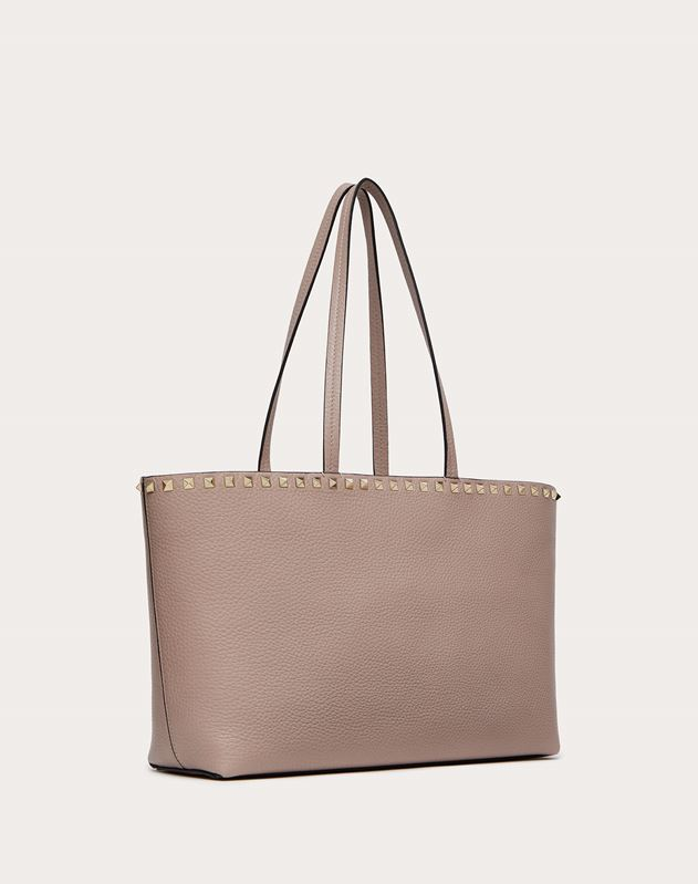 Small grain calfskin leather Rockstud shopping bag