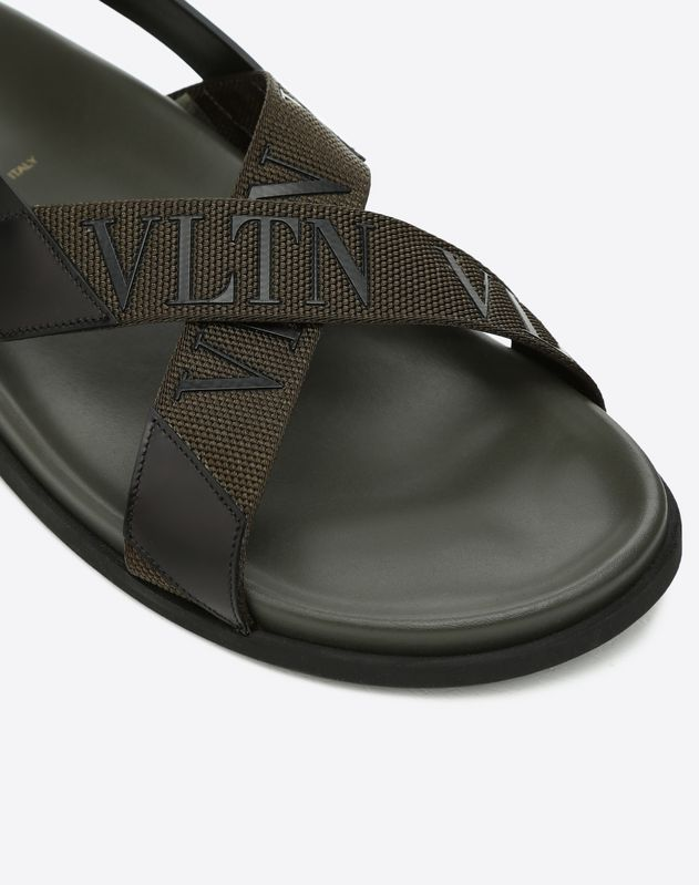 BRUSH-OFF CALFSKIN SANDAL WITH VLTN BAND