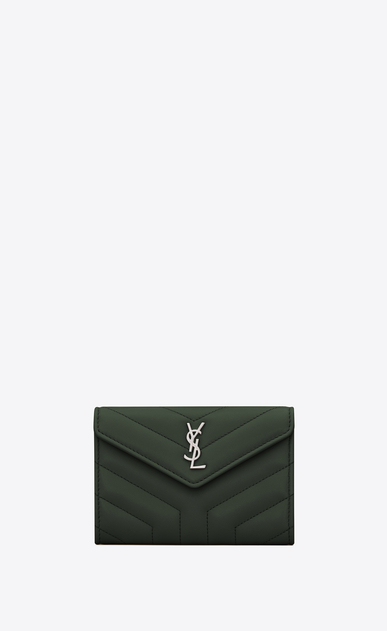 "SAINT LAURENT Monogram Matelassé Donna Portafogli Loulou envelope small in pelle lucida trapuntata a ""Y"" color verde scuro a_V4"