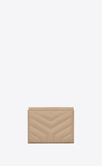 SAINT LAURENT Monogram Matelassé Damen Kompaktes Loulou Portemonnaie aus dunkelbeigem Glanzleder mit Y-Steppnähten b_V4