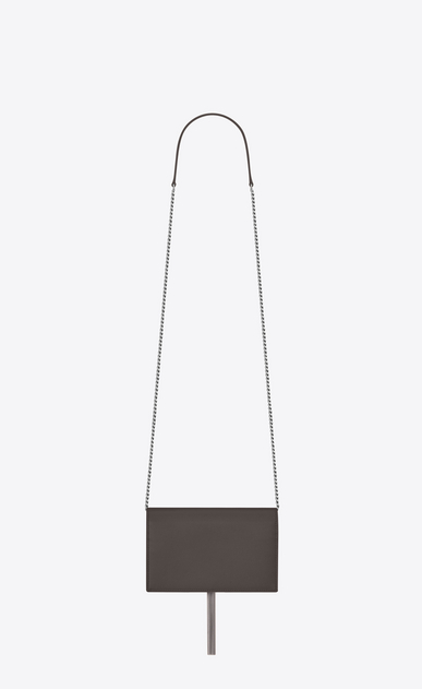 SAINT LAURENT MONOGRAM KATE WITH TASSEL Femme portefeuille à chaîne et pompon kate en cuir texturé gris earth b_V4