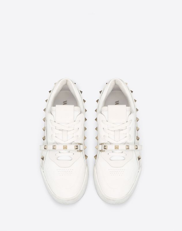 Low-top Rockstud Armor Sneaker