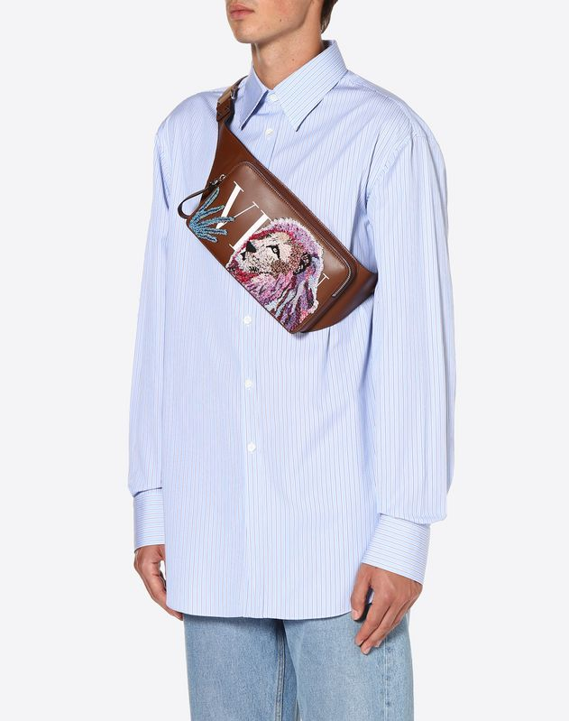 LEATHER VLTN BELT BAG WITH LION EMBROIDERY