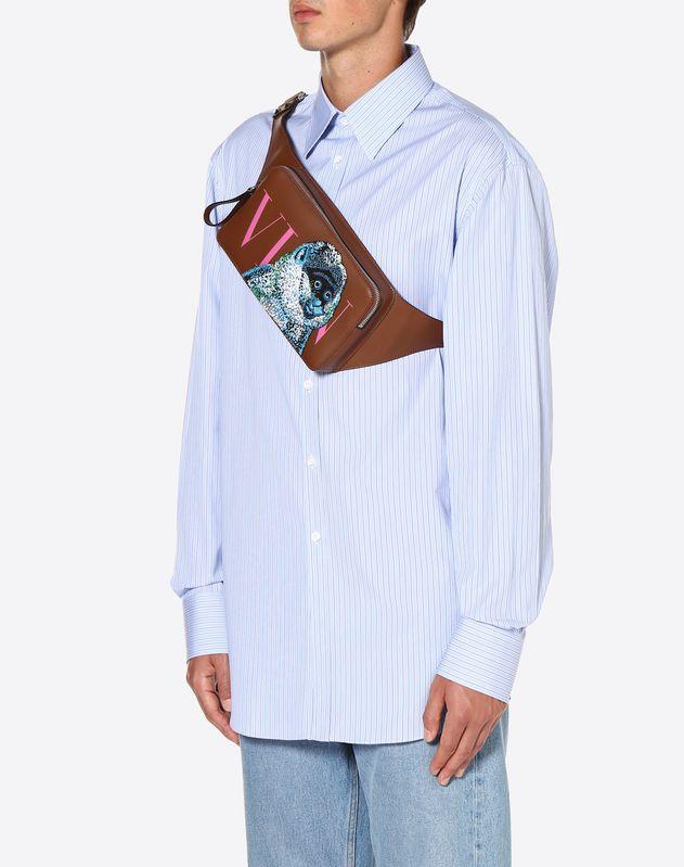 Crossbody Bag VLTN mit Affenstickerei