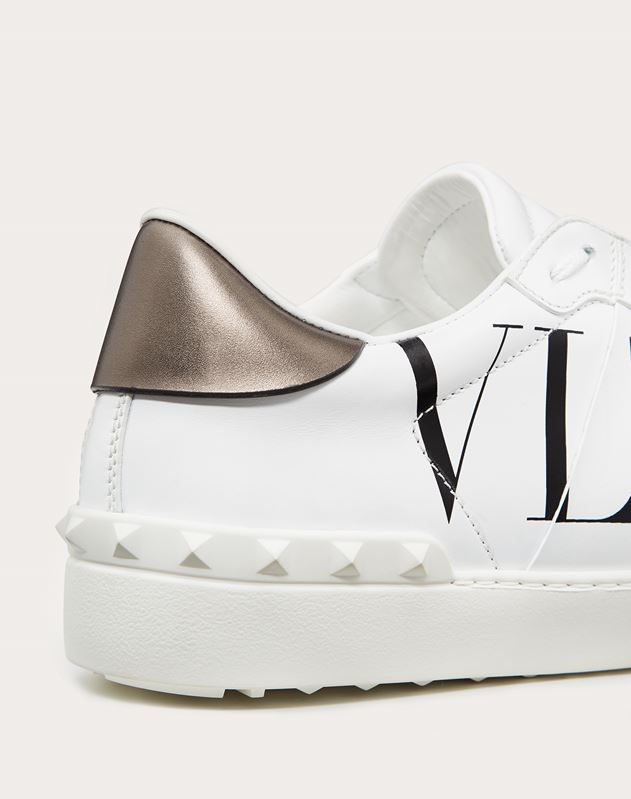 SNEAKERS OPEN  CON ESTAMPADO VLTN