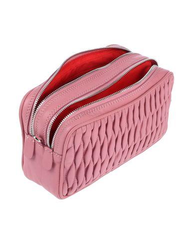 Фото 2 - Сумку через плечо пастельно-розового цвета