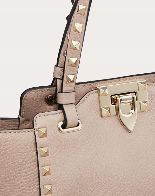 Мини-сумка Rockstud из зернистой телячьей кожи