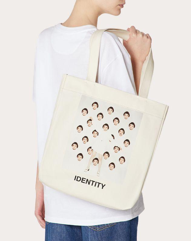 Bolso shopper con estampado «Identity» en colaboración con Izumi Miyazaki