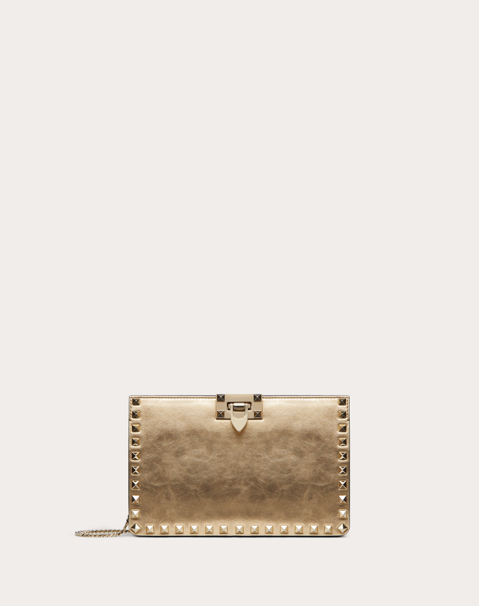 Rockstud Clutch in Metallic Craquelure-Effect Calfskin