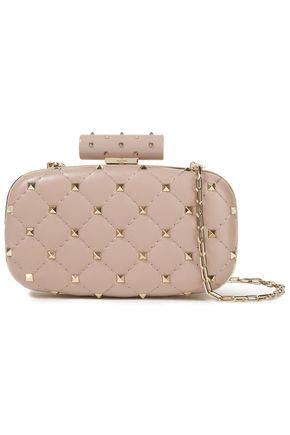 "VALENTINO GARAVANI حقيبة كلاتش على شكل صندوق ""روكستاد سبايك"" من الجلد المتشقق المبطن"