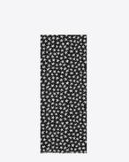 Écharpe oversize en étamine de laine à imprimé étoiles noir et blanc cassé