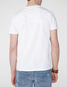 ARMANI EXCHANGE High-Shine Yoke V-Neck Graphic Tee U r