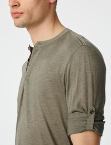 ARMANI EXCHANGE Roll-Sleeve Henley Long Sleeve tee U e