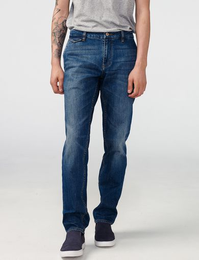 ARMANI EXCHANGE Chino-Fit Jean Man front
