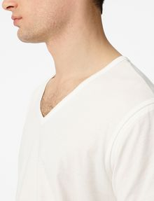 ARMANI EXCHANGE Seamed Arm V-Neck Short Sleeve Tee Man e