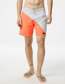 ARMANI EXCHANGE Diagonal Block Swim Trunk Swim Trunk U f