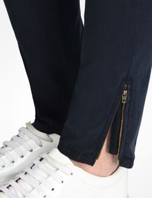 ARMANI EXCHANGE STRETCH SATIN SUPER SKINNY PANTS Pant D e