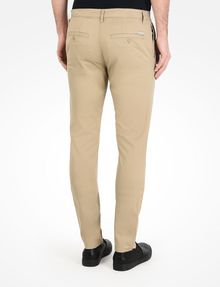 ARMANI EXCHANGE CLASSIC SLIM-FIT CHINO PANTS Chino Man r