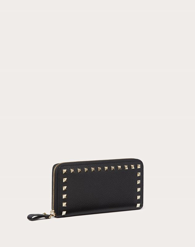 LARGE ROCKSTUD GRAINY CALFSKIN WALLET WITH ZIP