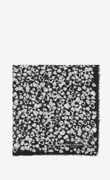 SAINT LAURENT Carrés Femme Grande écharpe carrée en étamine de laine à imprimé cœur en pétales noir et ivoire a_V4