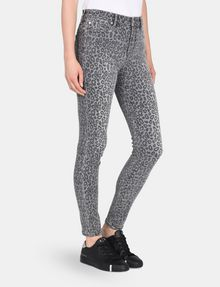 ARMANI EXCHANGE CROPPED LEOPARD SUPER SKINNY JEANS Skinny jeans Woman d