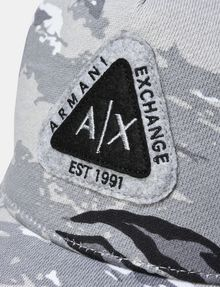 ARMANI EXCHANGE TRIANGLE LOGO CAMO HAT Hat E d