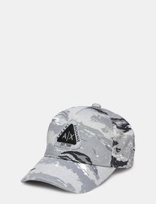 ARMANI EXCHANGE TRIANGLE LOGO CAMO HAT Hat E f