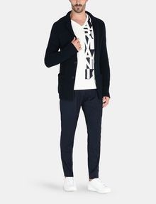 ARMANI EXCHANGE VERTICAL SIDE PRINT V-NECK T-SHIRT Logo T-shirt U a