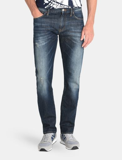 STRAIGHT FIT WHISKERED JEANS