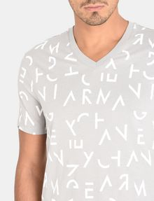 ARMANI EXCHANGE BROKEN LETTERS V-NECK T-SHIRT S/S Knit Top Man e