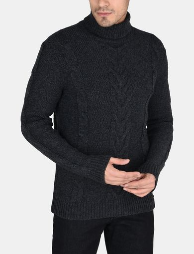 WOOL-BLEND CABLE TURTLENECK