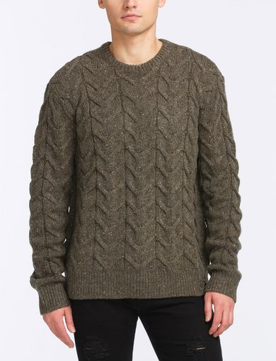 WOOL BLEND CABLE CREW SWEATER