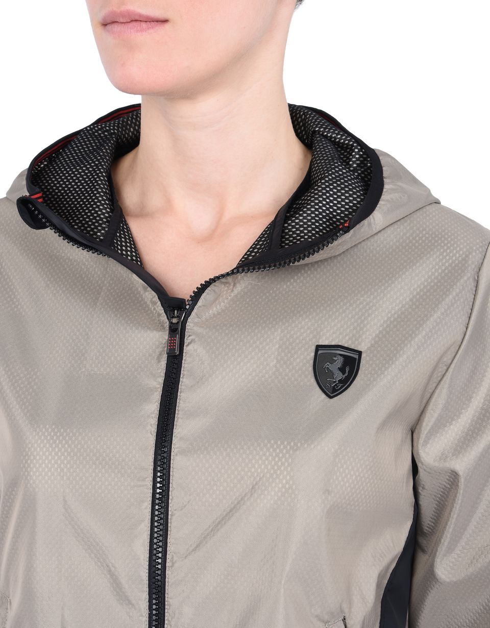 Scuderia Ferrari Online Store - Women's hooded jacket with Shield on the breast -