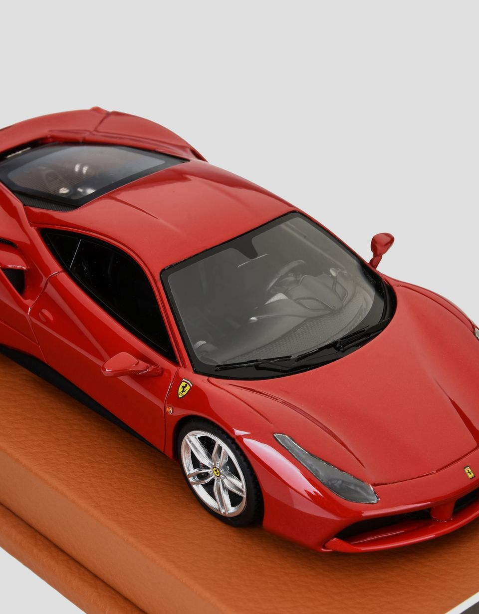 Scuderia Ferrari Online Store - 488 GTB model in 1:43 scale - Car Models 01:43