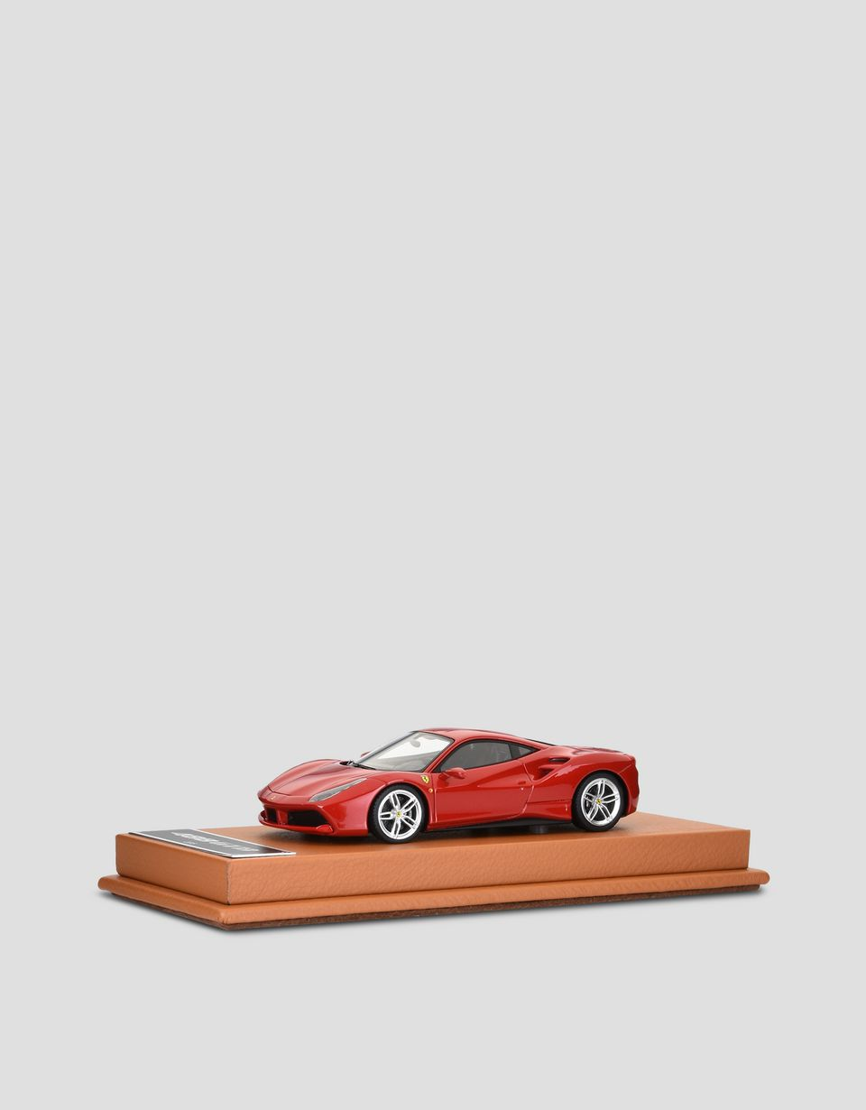 Scuderia Ferrari Online Store - 1:43 scale model of the 488 GTB -