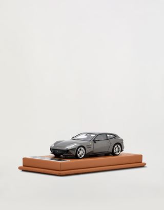 Scuderia Ferrari Online Store - Ferrari GTC4Lusso 1:43 scale model - Car Models 01:43