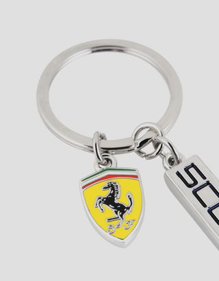 Scuderia Ferrari Online Store - Metal keyring with Scuderia Ferrari pendant and enamel Shield - Keyrings