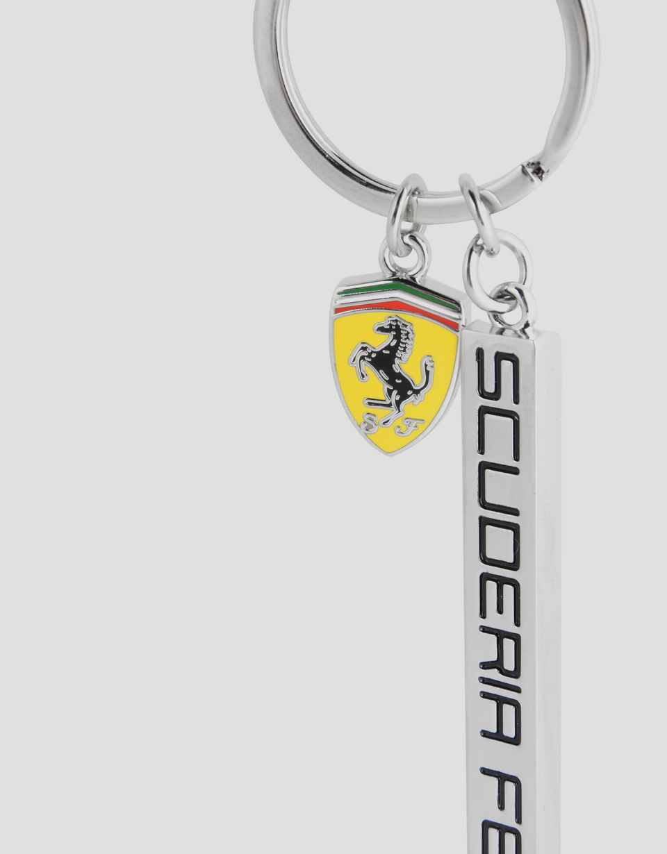 Scuderia Ferrari Online Store - Metal key ring with Scuderia Ferrari pendant and enamel Shield - Keyrings