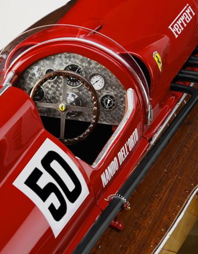Scuderia Ferrari Online Store - Arno XI motorboat  model at 1:8 scale - Car and Boat Models 1:8