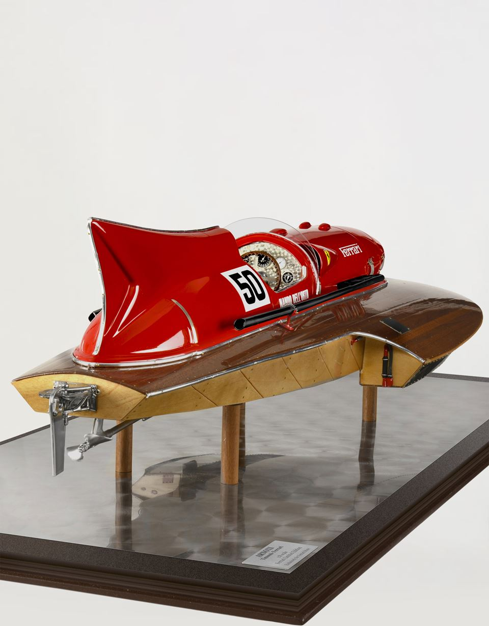 Scuderia Ferrari Online Store - Limited edition Arno XI motorboat 1:8 scale model - Car and Boat Models 1:8