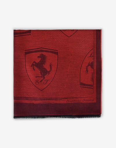 Sciarpa quadrata in jacquard con Scudetto Ferrari