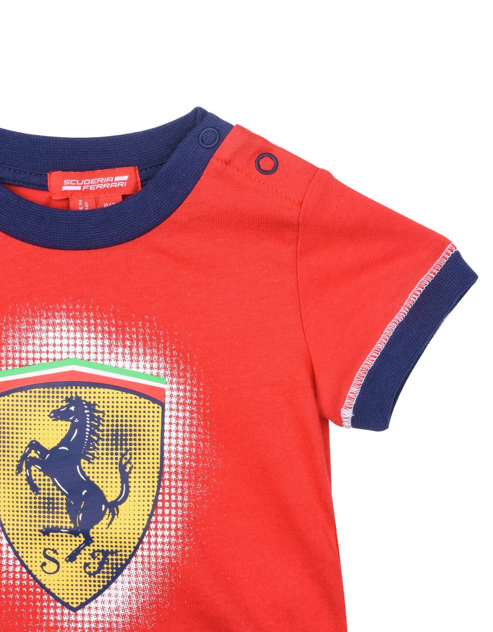 Scuderia Ferrari Online Store - Baby boy Scuderia Ferrari T-shirt with Shield - Short Sleeve T-Shirts