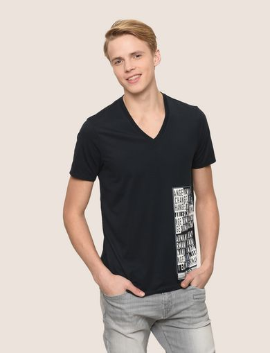 PLACED PRINT TICKER V-NECK